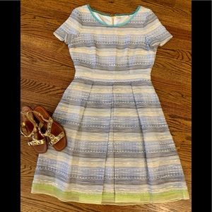 Elie Tahari Blue/Green Short Sleeve Pleated Sz. 10